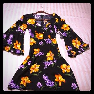 NWT bell sleeve dress size small